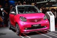 Auf dem Pariser Autosalon feiert auch der E-Smart Weltpremiere