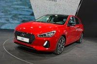 Deutlich moderater im Design fährt der erneuerte Hyundai i30 unter die Augen seiner Betrachter