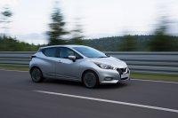 Auch der Nissan Micra möchte potenzielle Käufer über sein Design anlocken und kommt mit einer schneidig gezeichneten Außenhaut um die Ecke