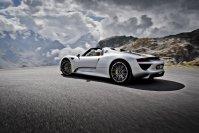 Zum Rundum-sorglos-Porsche-Paket gehört auch, dass auf Wunsch Fahrzeuge zum Startpunkt der Tour gebracht wurden ebenso wie sie im Hänger den Rückweg antreten konnten