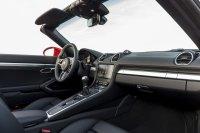 Abseits des neuen Motors verfügt der Boxster jetzt optional über das neueste Konnektivitätspaket der Marke. Gute schnelle Navigation auch bei Staus, schnelle fehlerfreie Telefonanbindung, ordentliche Gesprächsqualität für ein Cabrio haben uns gefallen