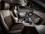 Im Innenraum gleicht die X-Klasse einem Luxus-Laster