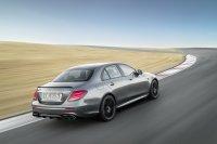 Neben der S-Version mit 612 PS bietet Mercedes die E-Klasse als 63 AMG noch in einer Standardvariante mit 571 PS an