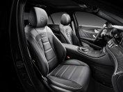 Leder und Carbon bietet der E63 AMG satt