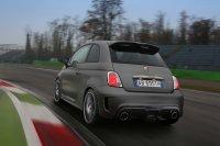 Rein optisch macht der entfernte Verwandte eines Alltagsautos, wie es der Fiat 500 nun mal ist, ordentlich etwas her