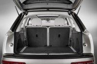 Der Kofferraum fasst fast Weltreisegepäck
