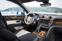Nicht weniger gediegen als beim W12-Modell fällt die Auswahl der Materialien und deren Verarbeitung aus