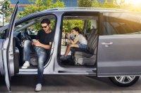 Die Schiebtür - hier beim VW-Sharan-Bruder Seat Alhambra - ist für Familienautos immer noch das Maß der Dinge