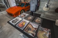Wer eine Gitarre von Eric Clapton oder Bill Haley sehen will, der soll ins Hard Rock Café gehen, und die Autos von Fangio oder Lauda findet man im Museum