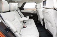 Wie bisher gibt es den Land Rover Discovery auch als Siebensitzer. Auf allen drei Reihen können Erwachsene bequem sitzen