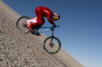 2017 hat Max Stöckl in der Atacamawüste auf einem Moutainbike die Downhill-Bestmarke von 167,6 km/h erreicht