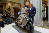 BMW zeigt am Comer See eine Motoroller-Studie