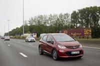 Von Brüssel nach Rüsselsheim sind es etwas mehr als 400 Kilometer und mit einem normalen Auto ein Katzensprung. Mit Elektroantrieb mittlerweile auch