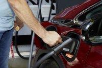 Stecker statt Zapfpistole: Der Opel Ampera-e fährt ausschließlich mit Strom