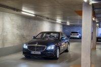 In Zukunft kann es passieren, dass Autos ohne Fahrer durchs Parkhaus fahren und ihren Parkplatz ganz automatisch ansteuern