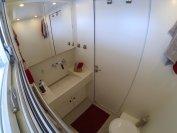 Im MD77h gibt es ein schickes kleines Bad