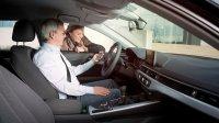 Auf der Bosch Connected World zeigt der Autozulieferer, wie er sich die Zukunft des Autos und die Lösung der Verkehrsprobleme vorstellt, zum Beispiel kann künftig das Auto per App statt per Schlüssel von verschiedenen Familienmitgliedern geöffnet werden