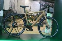 Das TX-E ist der puristische Vertreter der neuen E-Bike-Familie von Rabeneick. Als Besonderheit bietet das TX-E einen Riemenantrieb