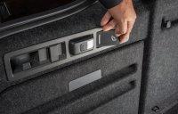 Clever: Der Superb bietet unter anderem eine Lehnenfernentriegelung sowie eine herausnehmbare Kofferraumbeleuchtung