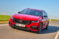 """Ganz auf Fahrspaß verzichten wollen die Tschechen noch nicht und setzten auf bei den neuen Octavia-Generation wieder auf die Anziehungskraft des Kürzels """"RS"""" (Rallye Sport)"""