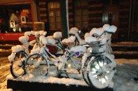 Viele Biker lassen ihre Räder im Winter stehen. Doch mit der richtigen Einstellung und Ausrüstung lässt sich das Fahrrad auch dann sinnvoll nutzen