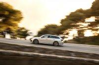 Mit einer Länge von 4,70 Metern ist der Octavia Combi schon ein Vertreter der Mittelklasse - ein Passat Variant hat in der Länge gerade mal 7 Zentimeter mehr zu bieten