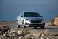 Der 2019 neu vorgestellte Octavia ist, zumal als im Vergleich zur Limousine nur 700 Euro teurerer Combi, ein besonders clever gemachtes, geschickt zwischen Kompakt- und Mittelklasse positioniertes Auto geworden