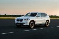 Der BMW iX3 startet bei 66.300 Euro