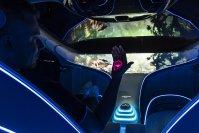 Sein natürlich streng vegan gestalteter Innenraum bietet vier futuristisch geformte Loungesitze