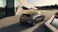 Das mit 4,2 Meter Länge kompakt dimensionierte Fahrzeug, das Elemente von SUV und Schrägheckmodell in sich vereint, steht zugleich für eine neue E-Antriebsgeneration