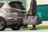 Wer Tüten oder Taschen vor dem Beladen nicht noch einmal abstellen will, sollte ein Auto mit Kick-Heckklappe wählen