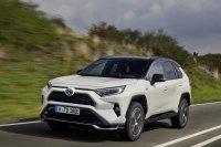 Ganz schön flott: Auf Wunsch lässt sich der Toyota RAV4 Plug-in Hybrid in 6 Sekunden aus dem Stand auf 100 km/h treiben