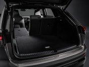In den Kofferraum passen 520 bis 1490 Liter Gepäck, beim wenig später startenden Q4 e-tron Sportback werden es 535 bis 1460 Liter sein