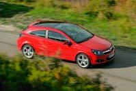 Mit Einführung des Astra (H) 2004 kann Opels Kompaktwagenklasse den zweiten Platz in der deutschen Neuzulassungsstatistik vorübergehend zurückgewinnen