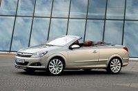 Im Mai 2006 kommt der Astra (H) als Cabriolet TwinTop mit elektrisch versenkbarem Hardtop auf den Markt