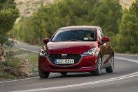 Während die Designer vielen Kleinwagen eine aggressive Note verpassen, kommt der Mazda2 weiterhin freundlich ums Eck